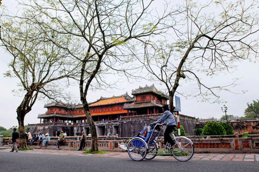 Ride a cyclo through Hue City
